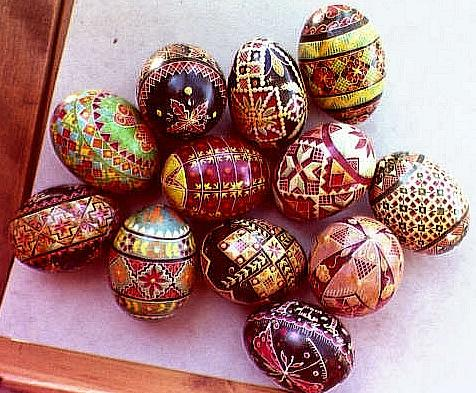 [ View 3 of Mary Koleski's pysanky ]